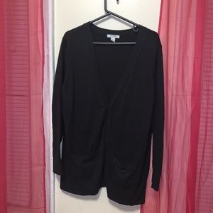 Old Navy Sweaters - Black cardigan from old navy !!